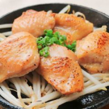 日本酒によく合うお料理が揃う。