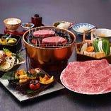 究極のヒレとも言われる「シャトーブリアン」は炭火あみ焼で。脂の甘味が感じられるロースはすき焼又はしゃぶしゃぶで。「贅沢コース」は松阪牛の2種類の美味しさをお楽しみいただけます