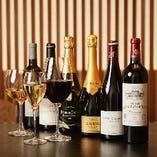 ソムリエも在籍。和牛や季節の日本料理とワインの相性を楽しんで