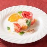 【コース前菜で定番!】富士山サーモンホットスモークのカルピオーネ