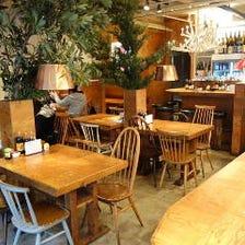 ◆カフェ風の居心地良い店内
