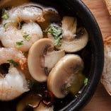 岡山産マッシュルームと海老のアヒージョ