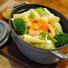 エビと彩り野菜の温サラダ