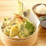 「揚げたてサクサク」 食感の軽さが自慢の美味しい天ぷら!