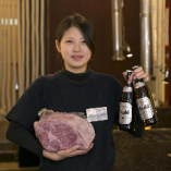 元気なスタッフがお客様の美味しい時間をサポートいたします