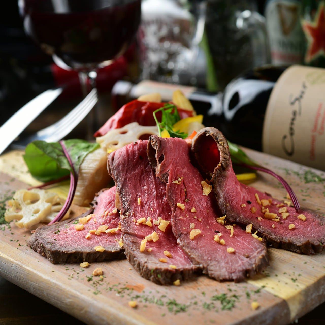 その日一番美味しいお肉を仕入れて作る国産牛ローストビーフ!