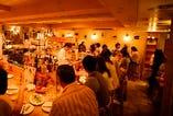 ◆◇明るい店内は南仏ニースの街角にあるよなワイン酒場です♭♭