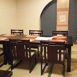 落ち着いた雰囲気のテーブル座敷(個室)