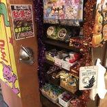 店内には駄菓子コーナーを設置♪200円でカゴ詰め放題です!