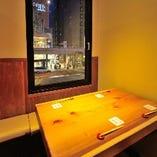 眺めが良い少人数に丁度いいテーブル席!