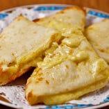 【人気 NO.1】チーズナン