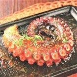タコの鉄板焼き【900円】