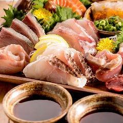 燻製醤油で食べる本日の鮮魚のお造り 3種盛り合わせ