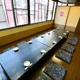 2階フロアの宴会場は間仕切りを入れて完全個室としての利用もOK