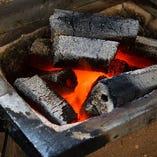 炭火の香りをまとった至福の焼き鳥をご堪能ください