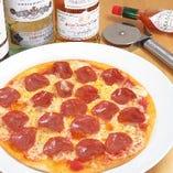 サラミのピザ