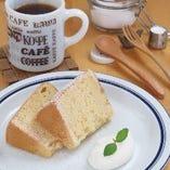 自家製メープルシフォンケーキ