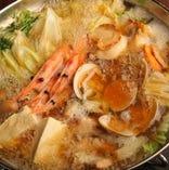 あっさりとした中に旨味が凝縮された塩ちゃんこ鍋はやみつきに!