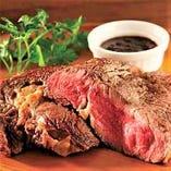こだわりのステーキ!最高級ランク「プライムビーフ」使用。