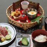昼ごはん【カツオ叩き】1,155円