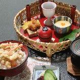 昼ごはん【かき揚げ小丼】840円