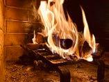 薪で焼き上げたステーキはバルバールの名物料理です。