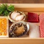 [上質な寿司ネタ] 地の利を生かし長崎より新鮮な魚を毎日直送