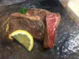 牛肉たたき 牛焼肉 (和牛つかってます)