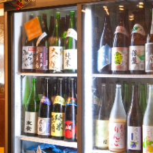 本醸造から大吟醸まで全国各地の様々な酒50種類&関西(京都、兵庫、大阪、和歌山、奈良)の地酒50種類!
