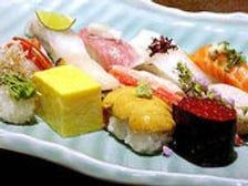 夕暮れ時から開く粋な寿司屋