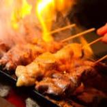 自慢の地鶏を遠赤外線で焼いた、おおぶりの焼鳥♪食べごたえ◎