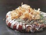 当店1番人気の道頓堀焼は大盛で美味しい具材全部入り!
