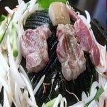 レアでも食べられるラム肉ですので、両面サッと焼くだけ!