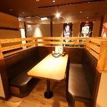 適度に区切られたボックス席は、少人数の飲み会にぴったり
