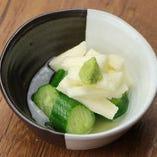 山芋のワサビ漬け / イカの塩辛 / カニ味噌あて / しらすおろし
