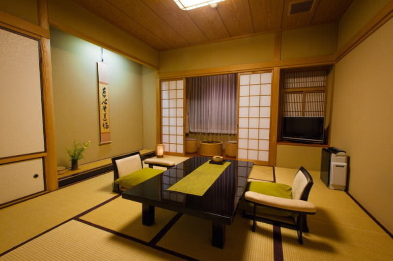 2~10名の場合は、プライベートな客室で。※11名以上は宴会場