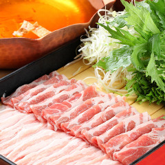 栄養価が高く、しかもヘルシーな豚を使ったわだ家流豚しゃぶは「関西風のおだし」が特徴。