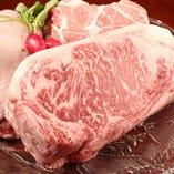 肉汁たっぷりの肉料理も人気!ぜひ召し上がっていただきたい一品