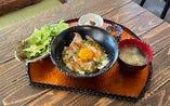 特製炙りチャーシュー丼(ドリンク付き)