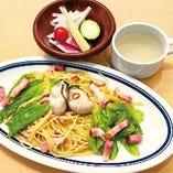 ベーコンと牡蠣春キャベツのスパゲッティペペロンチーノ