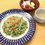 桜えびと牡蠣のジェノバ風リゾット