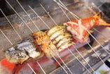 絶品炭焼きの魚介類!