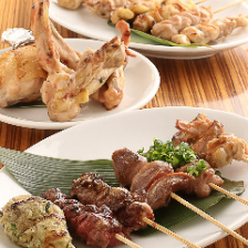 【税込み3,000円】焼き鳥、鶏もも肉のタタキ、名物鶏にゅうめん等々が付いた、王道焼き鳥コース!