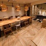 半個室席は会社の飲み会や歓送迎会などビジネスシーンにも最適です。