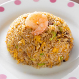 中華料理の定番メニュー「五目チャーハン」