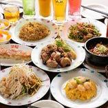 マーボー豆腐や焼き餃子など料理長オススメの特選料理に加え、2時間飲み放題が付いている「料理長オススメ!特選料理+飲み放題コース」