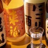 地元福岡や全国選りすぐりの日本酒もご用意!