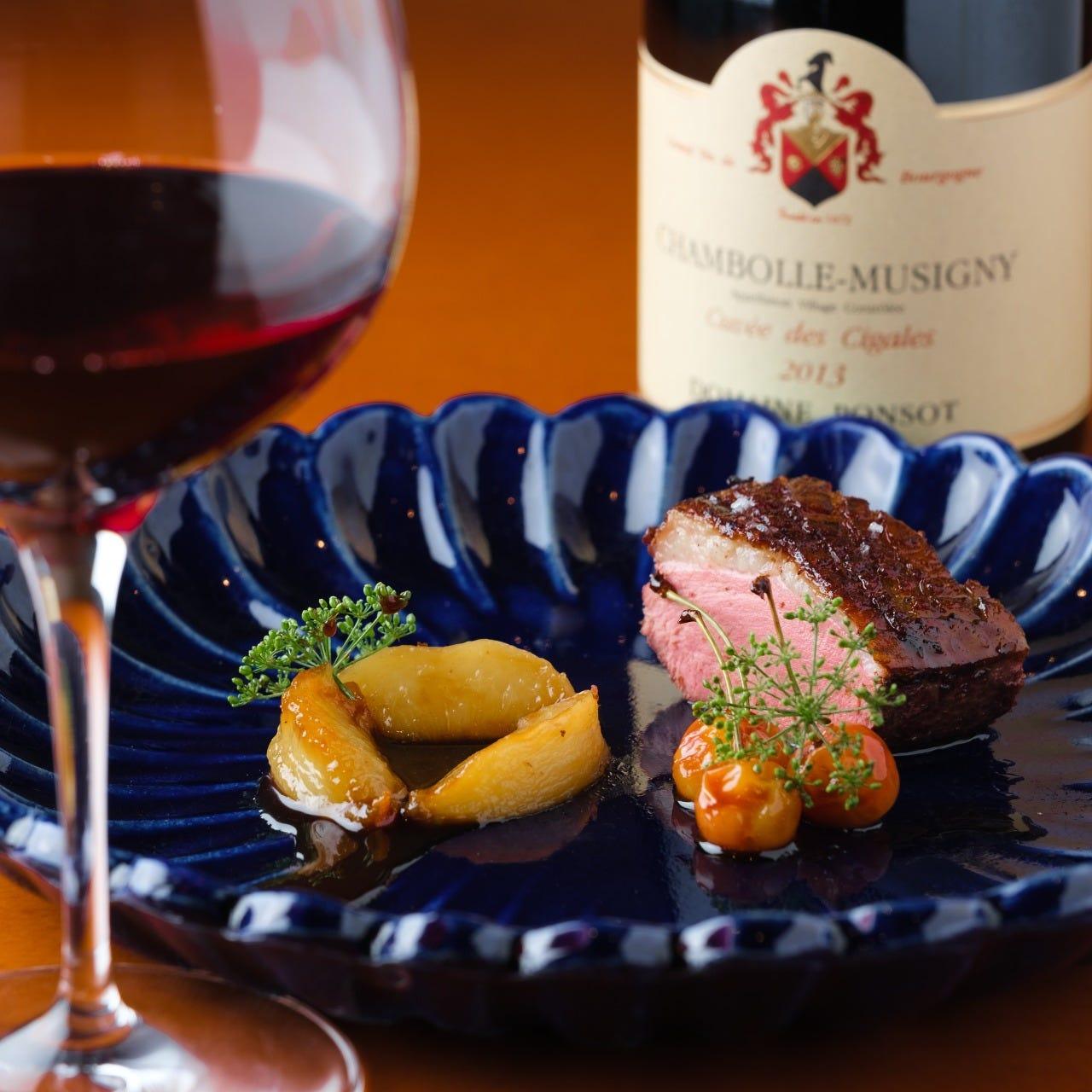料理とワインのペアリングを楽しめる