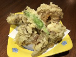 天ぷらの中で断トツの人気を誇る『舞茸の天ぷら』。居酒屋で天ぷらが食べれるのが珍しいですが、味は本格的で大人気!