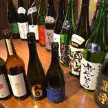 厳選した日本酒ご用意しておます!日本酒は随時入替えで約20種類程ご用意しており、お客様からは大好評です♪大人気銘柄や通常メニューの日本酒より高いモノはマル秘としてメニューに載せてませんので、誰でもお気軽に店員までお声がけ下さい。